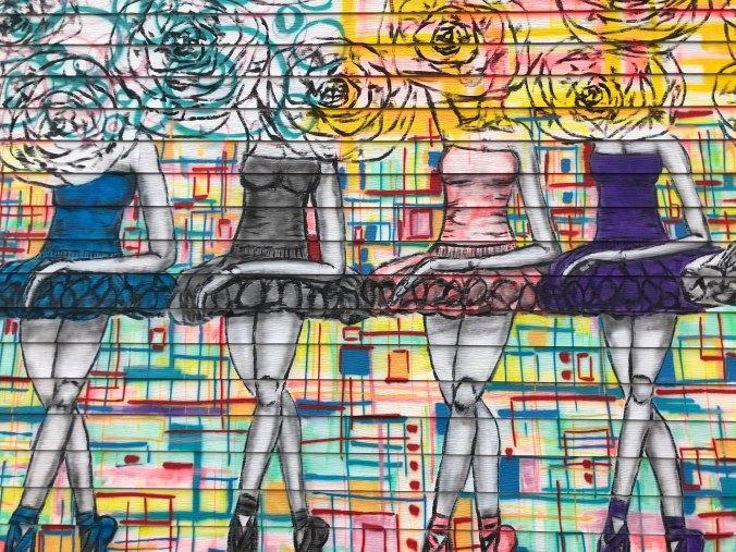 graffiti-ballerinas-painted-on-a-wall