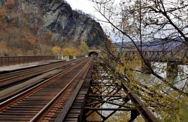rr-tracks-at-harpers-ferry